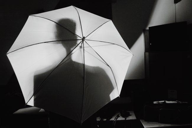 日傘で片手が使えない