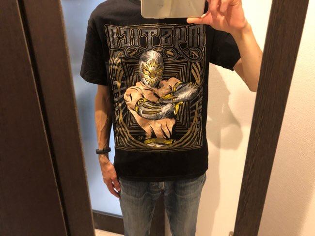 ジョジョっぽいTシャツ