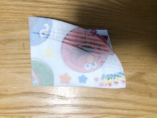 使い捨て紙エプロン
