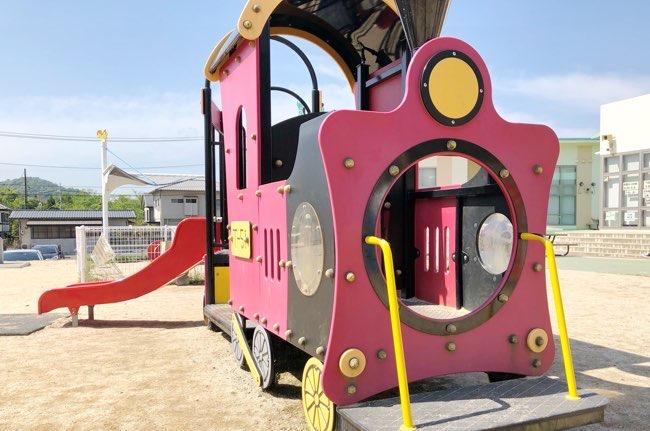 くまの・みらい交流館 汽車の遊具